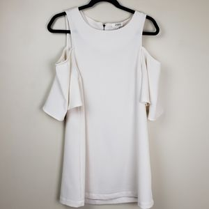 Umgee off white cold shoulder dress size S…